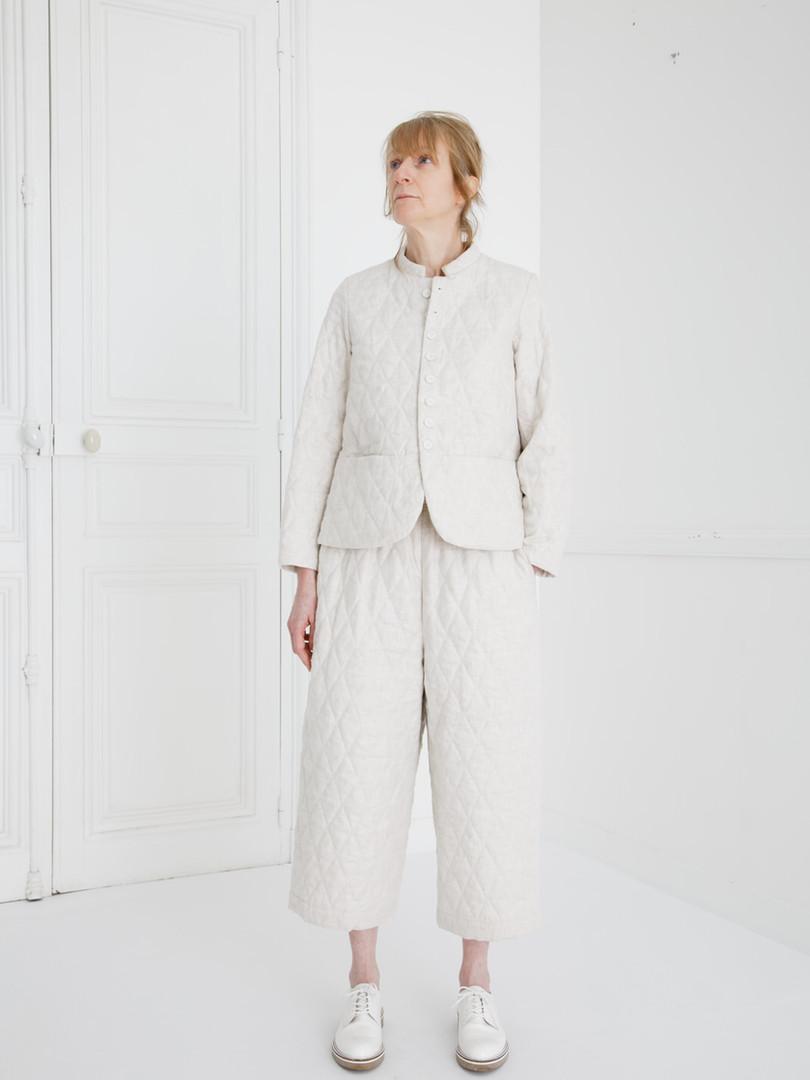 Jacket : JESSICA Ivory Pants : PIERRE Ivory