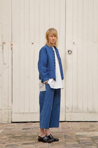 Jacket : JOE Indigo blue Shirt : BASIL White Pants : PIERRE Indigo blue