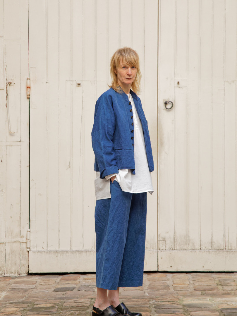 Jacket : JANE Indigo blue Shiet : BASIL White Pants : PIERRE Indigo blue