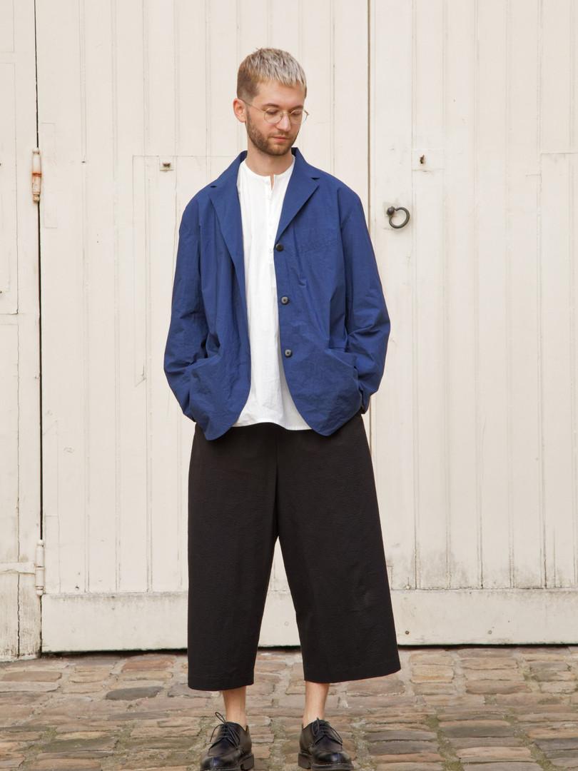 Jacket : EDOUARD Navy Shirt : BASIL White Pants : PIERRE Black