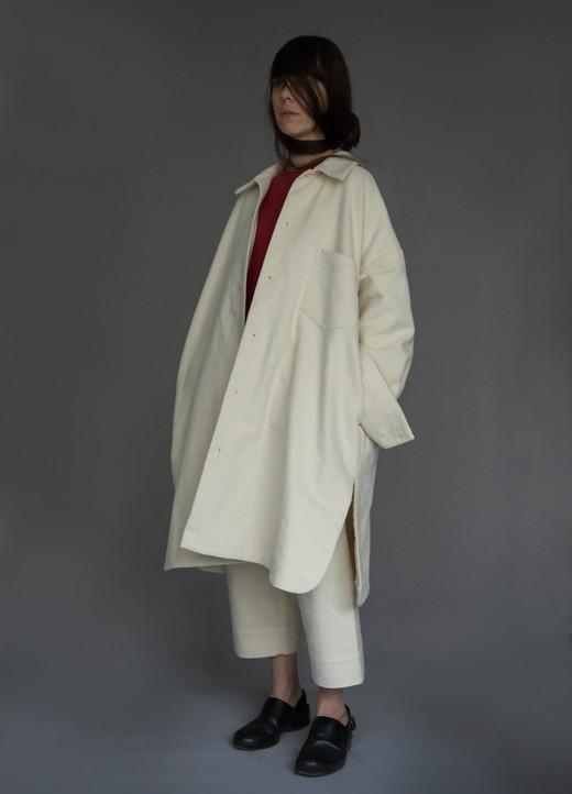 Coat : CARLO Shirt : SILVAN Red Pants : PAUL Ivory