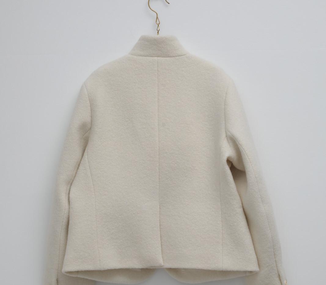 302 Ivory