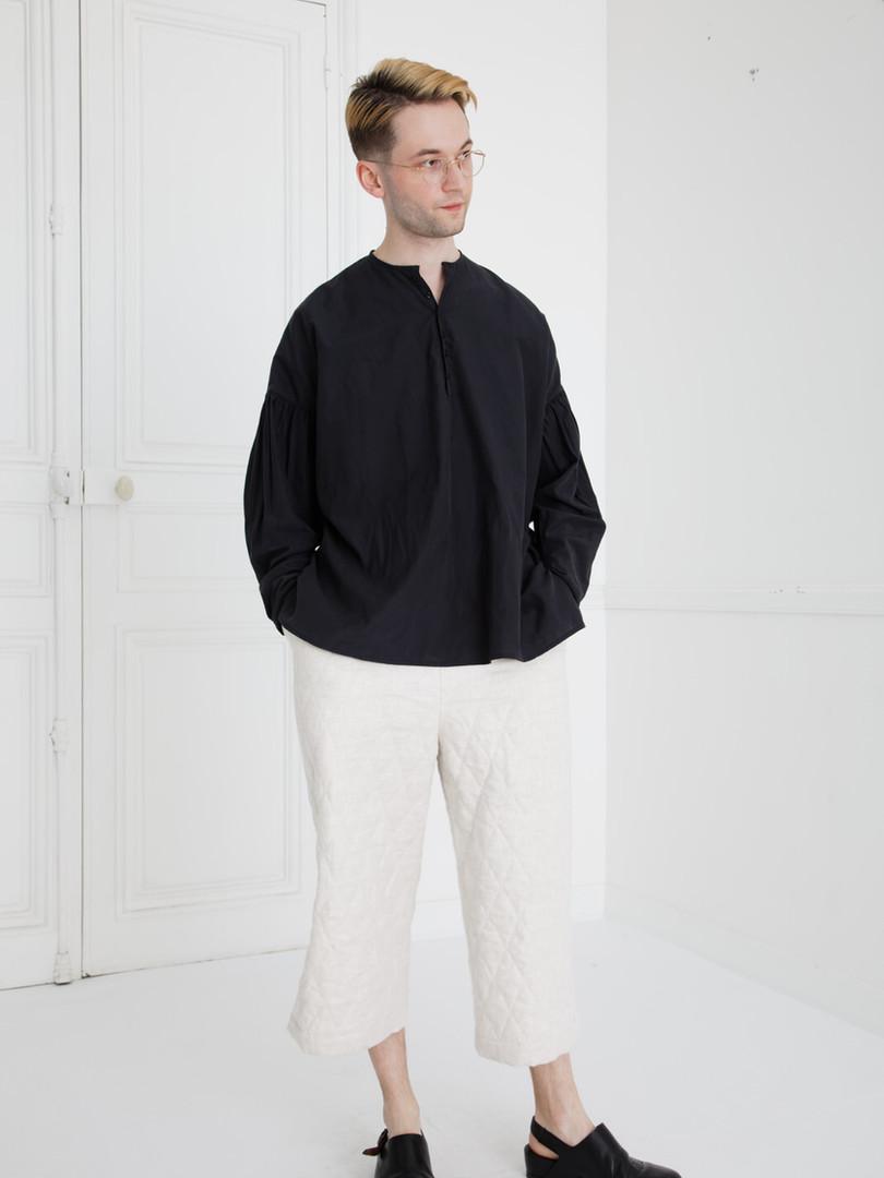 Shirt : BASIL Black Pants : PIERRE Ivory