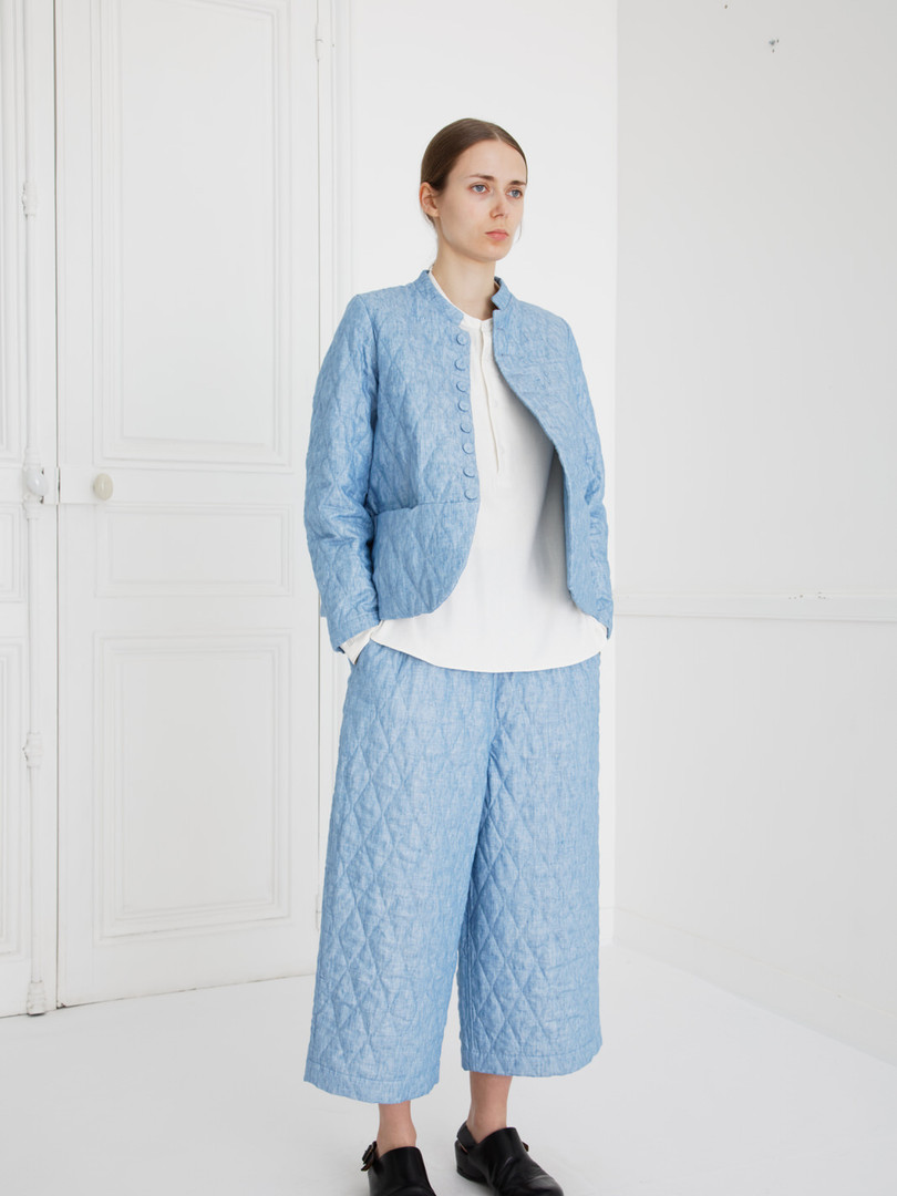 Jacket : JESSICA Washed blue  Shirt : SCOTT cotton Ivory Pants : PIERRE Washed blue