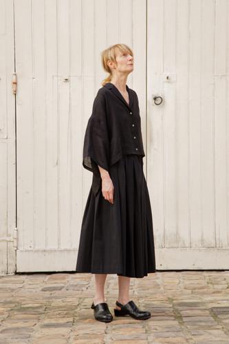 Top : THOMAS Black Skirt : SOLANGE  Black