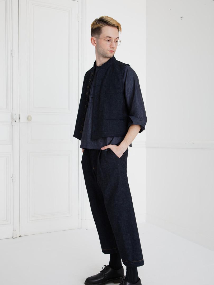 Waist coat : GILLES Indigo blue Shirt : SCOTT Navy Pants : PETER Indigo blue