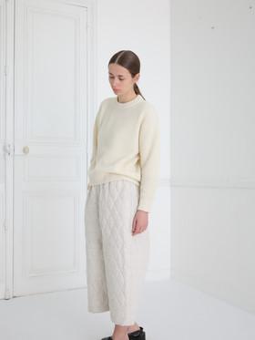 Top : KATE Ivory Pants : PIERRE Ivory