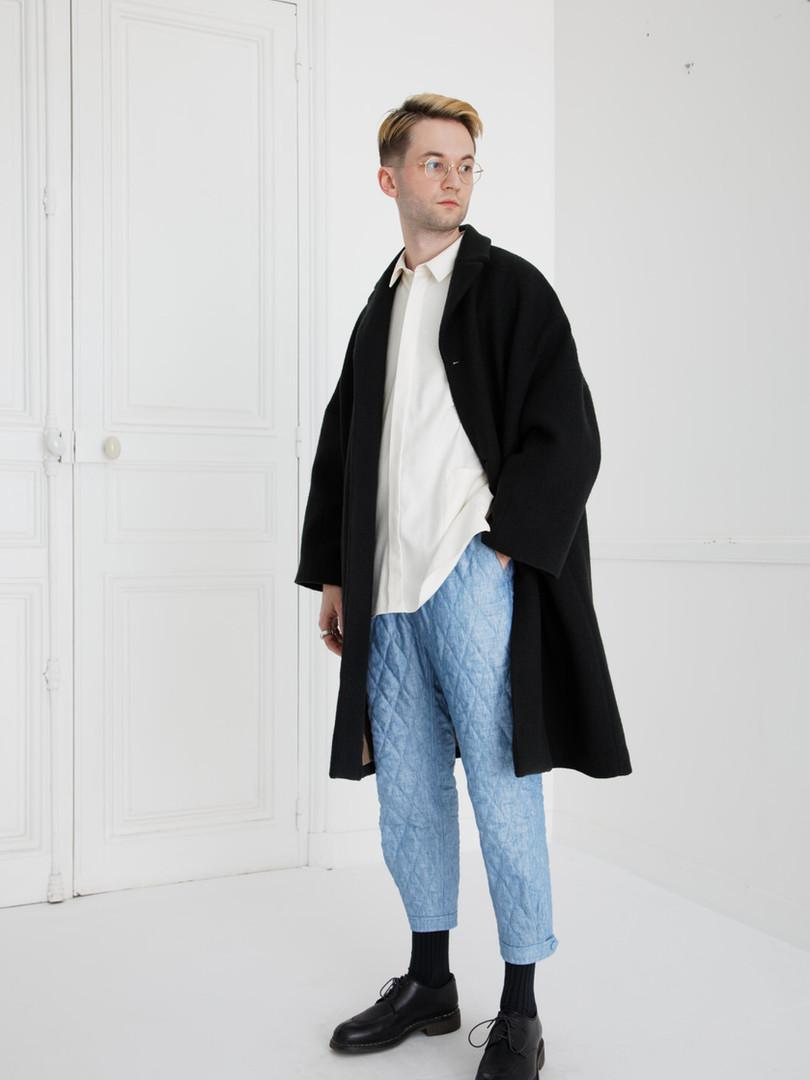 Coat : COPER Black Shirt :  SAM Ivory Pants : PHILIP Washed blue