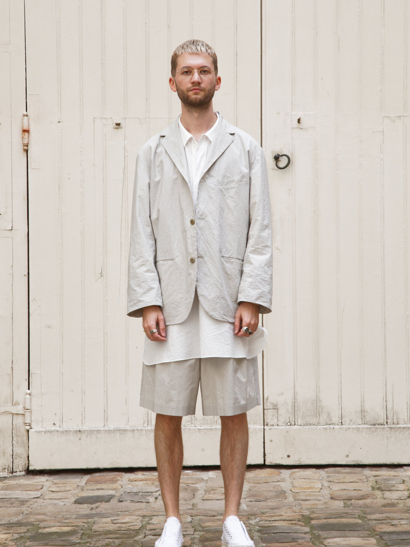 Jacket : EDOUARD Greige Shirt :STANLEY White  Pants : PATRICE Greige