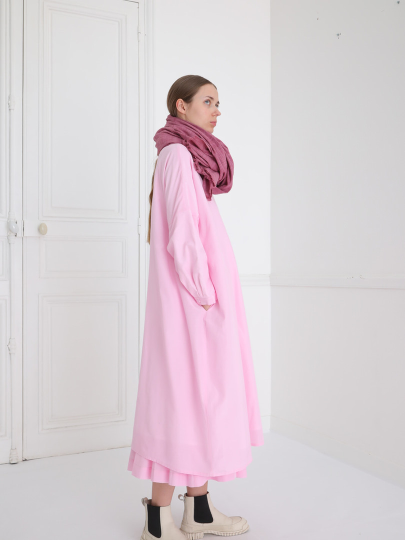 Dress : DAMIA Lilac pink Skirt : SOLANGE Lilac pink Scarf : ANDREW Lac pink
