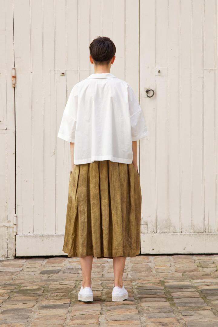 Shirt : BRIGITTE White Skirt : SOLANGE Brass
