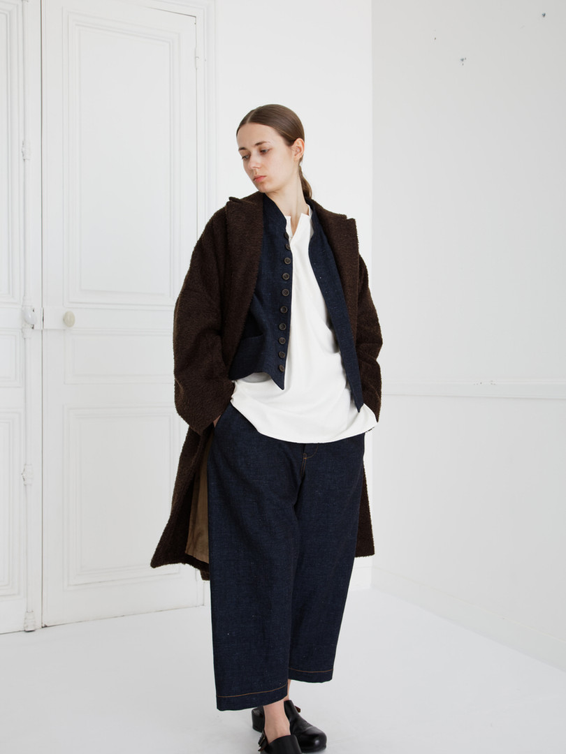 Coat : COPER Cacao brown Waist coat : GILLES Indigo blue Shirt : BASIL Ivory Pants : PETER Indigo blue