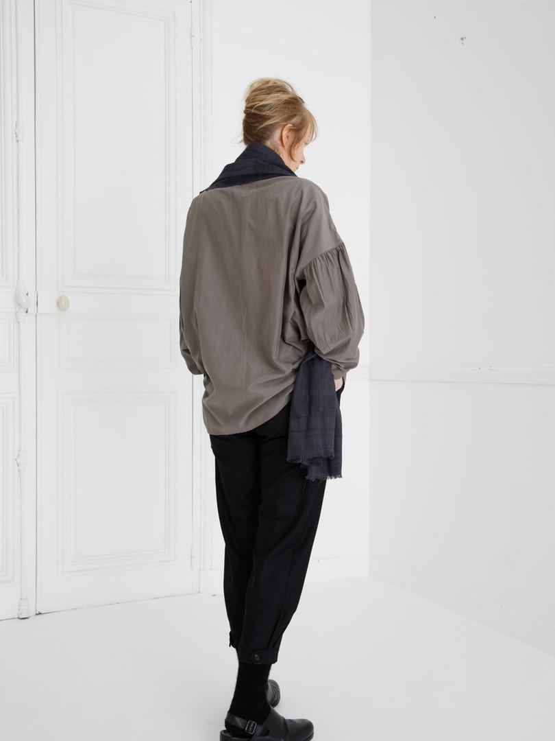 Shirt : BASIL Smoke taupe Pants : PHILIP Black Scarf : ANDREW Myrobalan  black