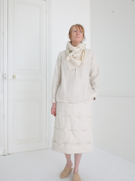 Shirt : SCOTT Linen Ivory Skirt : SUSETTE Ivory Scarf : ALICE Ivory