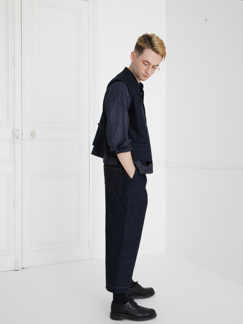 Waist coat : GILLES Indigo blue Shirt : SCOTT Navy Pants : PETER Indigo blue