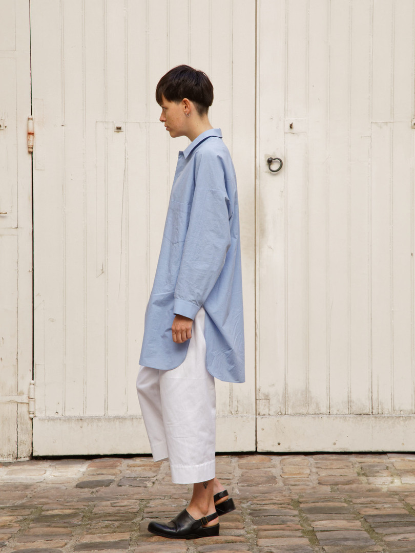 Shirt : STANLEY Light blue Pants : PAUL White