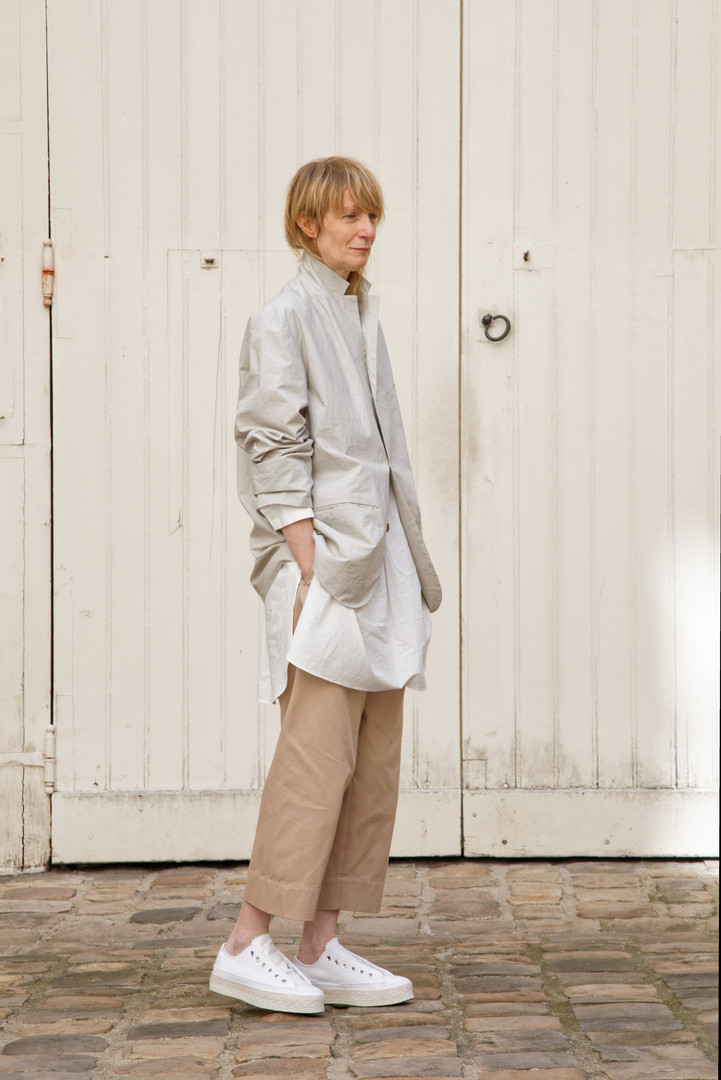 Jacket : EDOUARD Greige Shirt :STANLEY White  Pants : PAUL  Pink beige