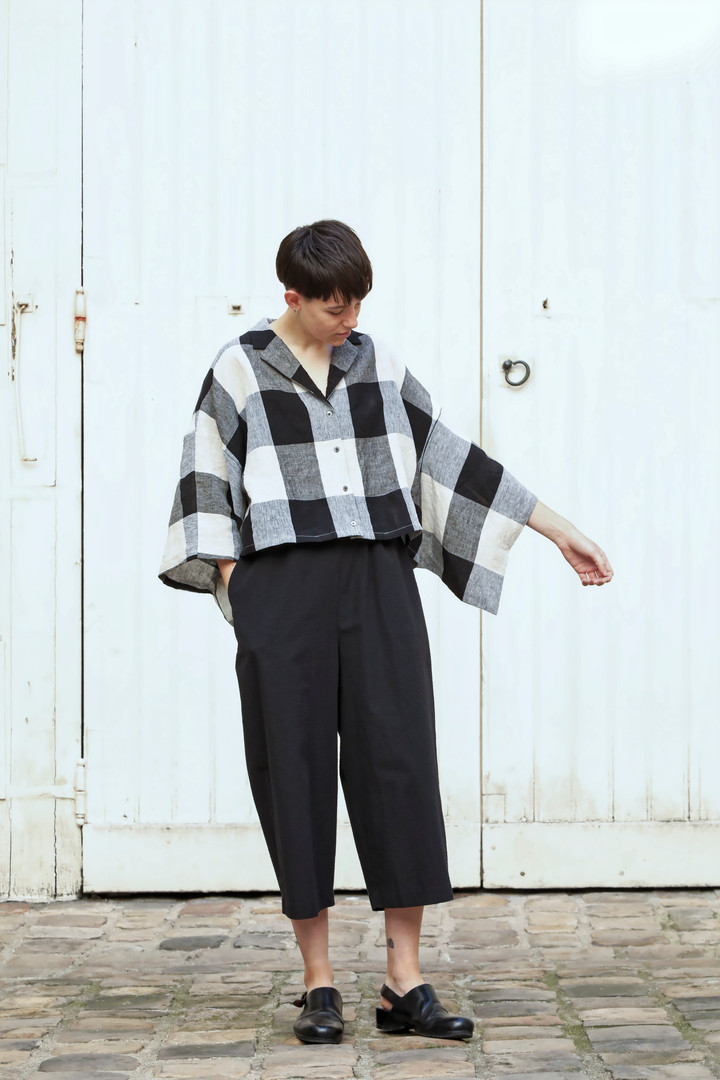 Top :THOMAS  Beige / Black Pants : PIERRE  Black