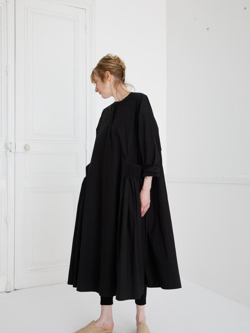 Dress : DANIELA Black