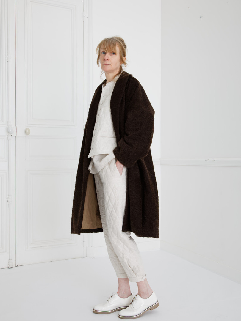 Coat : COPER Cacao brown Waist coat : GILLES Ivory Shirt : SCOTT Linen Ivory Pants : PHILIP Ivory