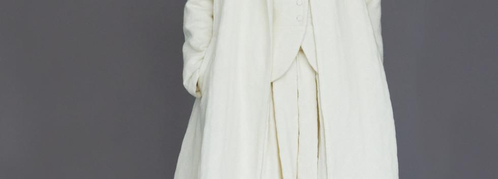 Coat : CECILIA Ivory Jacket  : JESSICA Ivory Skirt : SOLANGE Ivory
