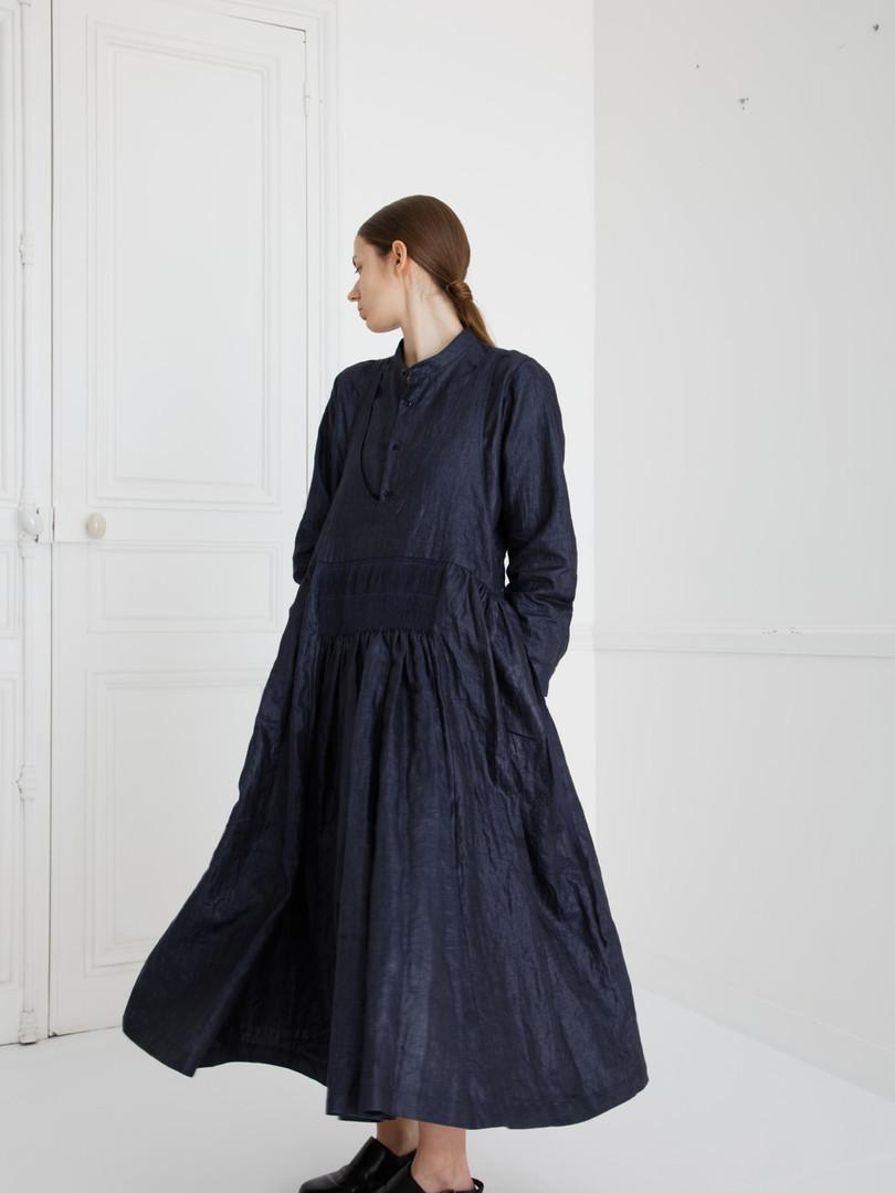 Dress : LUCIE Navy Shirt : SCOTT Navy