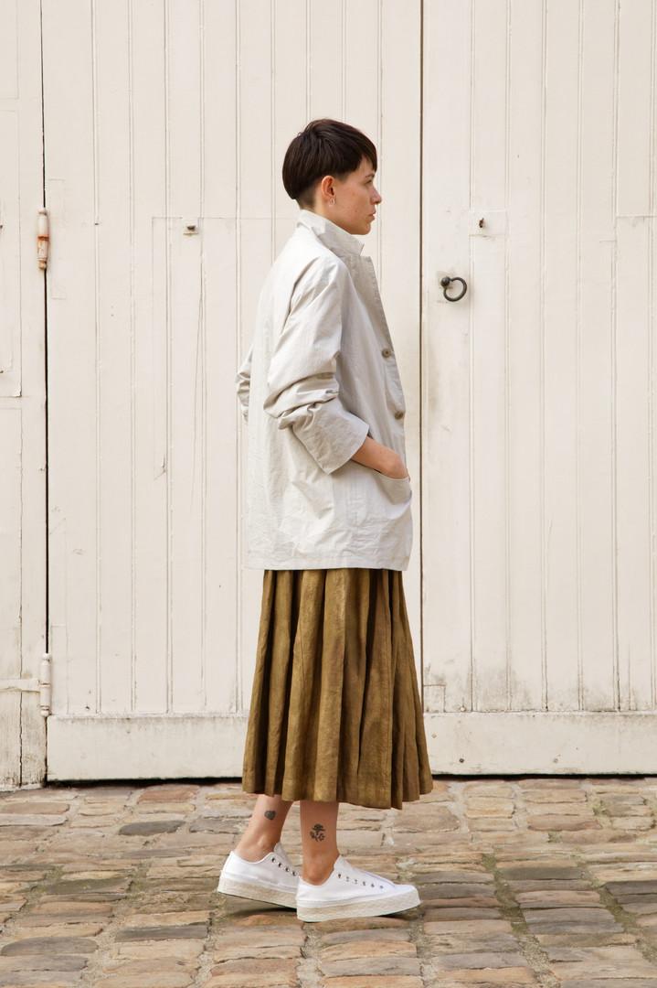 Jacket : EDOUARD Greige Top : THIBAUD White Slange : SOLANGE  Brass