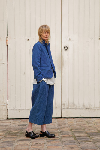 Jacket : JANE Indigo blue Shiet : BASIL White Pants : PIERRE Indigo blue