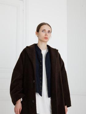 Coat : COPER Cacao brown Waist coat : GILLES Indigo blue Shirt : BASIL Ivory Pants : PETER Indigo blue