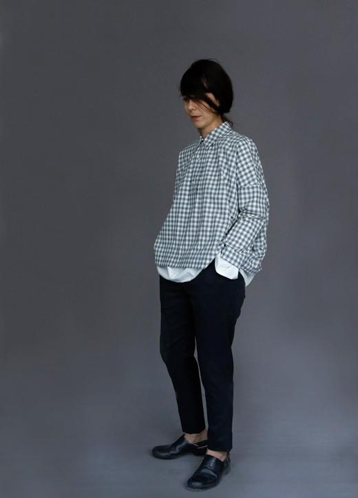 Shirt : BRIGITTE Shirt : SILVAN White Pants : PHILIP