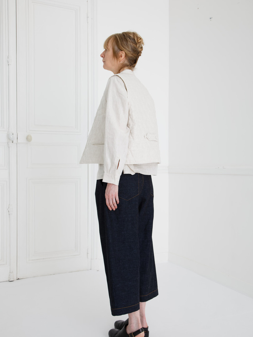Waist coat : GILLES Ivory Shirt : SCOTT Linen Ivory Pants : PETER Indigo blue