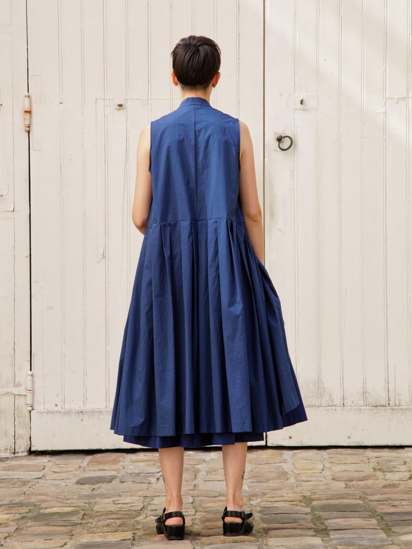 Coat : CLARA Navy Skirt : SOLANGE  Navy