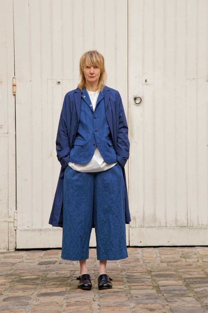 Coat : MARTIN Navy Jacket : JANE Indigo blue Shirt : BASIL White Pants : PIERRE Indigo blue