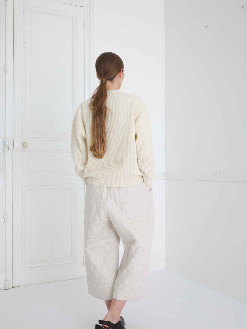 Top : KATE Ivory Pants : PIERRE Ivory