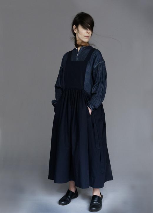 Dress : DIONA Shirt : BASIL Dark navy