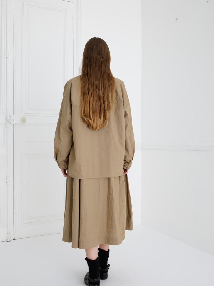 Shirt : SAM Khaki beige Dress : DANIELA Khaki beige