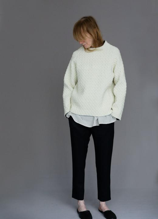 Tops : MIGUEL Ivory Shirt : BASIL Ivory&black stripe Pants : PHILLIP