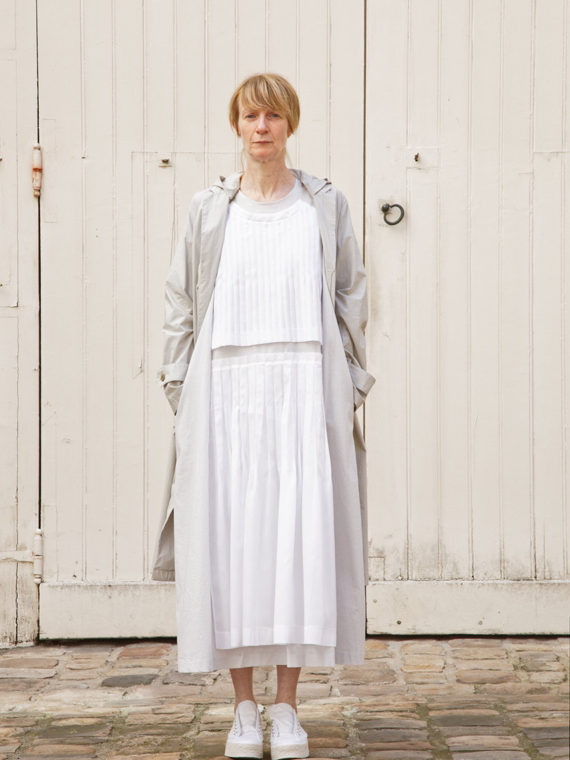 Coat : MARTIN Greige Dress : AGNES White / Light grey