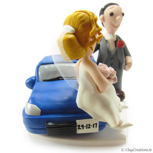 Entzuckend Blue Car Theme Bride Sitting On Car Bonnet Groom Polishing Car Handmade