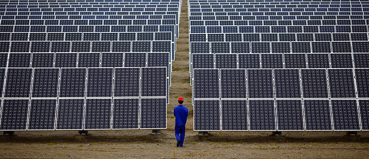 Carlos Barria_Reuters_Solar Panel pic.jp