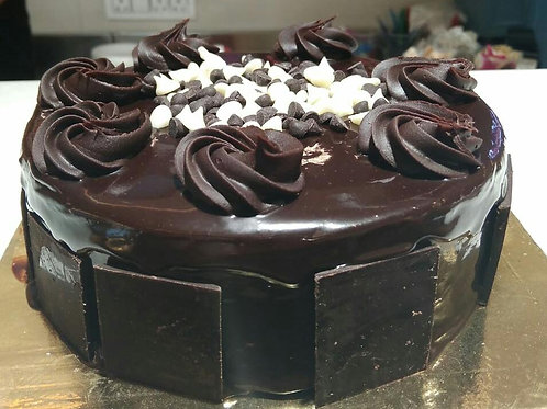 Truffle Cake with Choco Chips