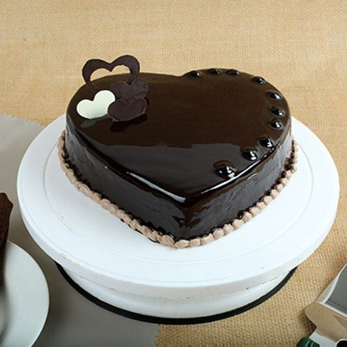 Heart Shape Chocolate Cake Half Kg