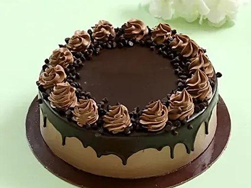Crunchy Cream Drop Chocolate Cake