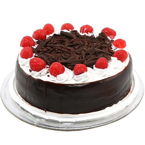 Black Forest Cake with Cherries (Half Kg)