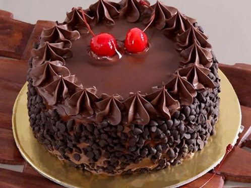 Choco Chips Cake with Cherries Half Kg