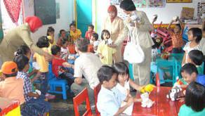 Lehrreiches und farbenfrohes Spielzeug für den Kindergarten