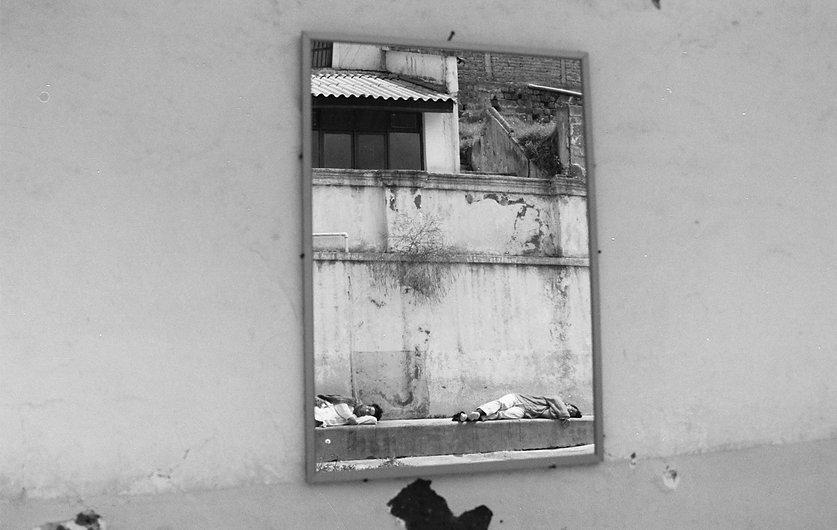 03-fabula en el espejo copia.jpg