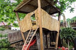 Farm Table_treehouse
