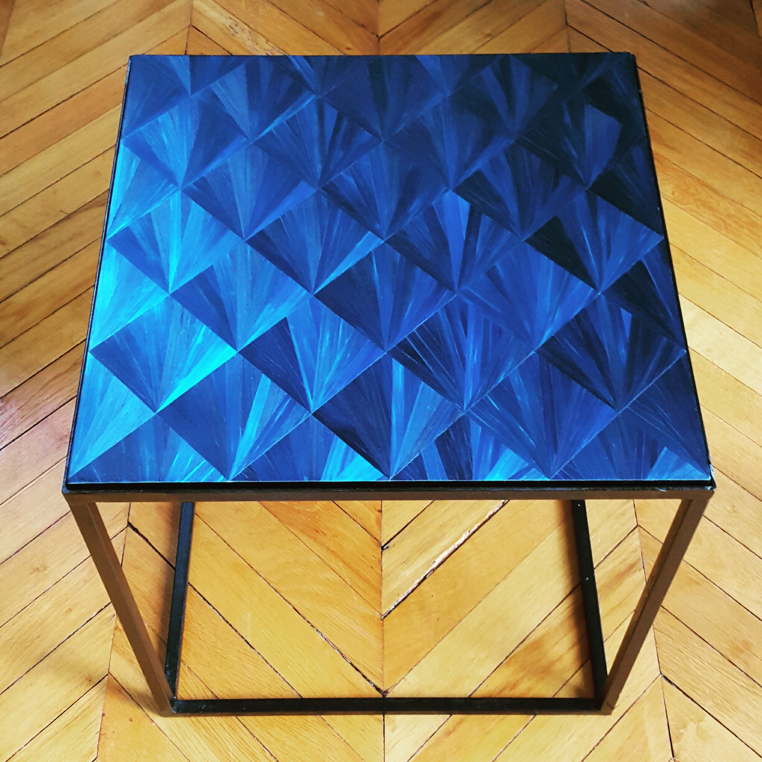 Table base en marqueterie de table