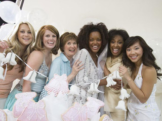 Throwing a Memorable Hen's Night –The Basics You Should Know!